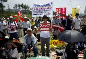 Manifestantes pedem a Abe que não dê continuidade à proliferação nuclear Foto: ISSEI KATO / REUTERS