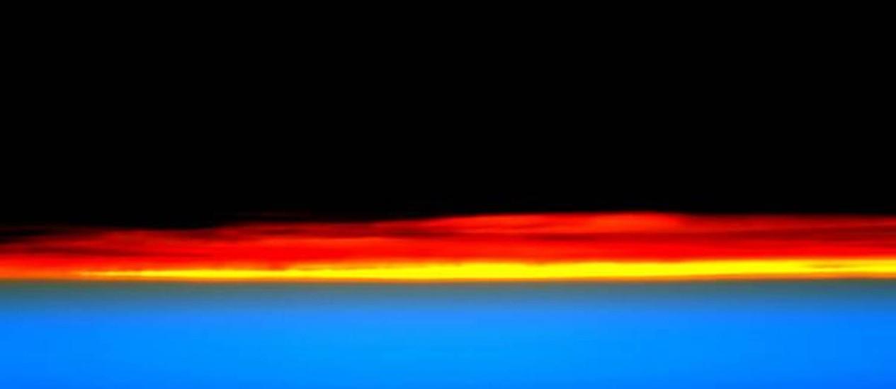 Amanhecer. O astronauta Scott Kelly deu bom dia aos EUA com a imagem nas redes sociais Foto: Scott Kelly