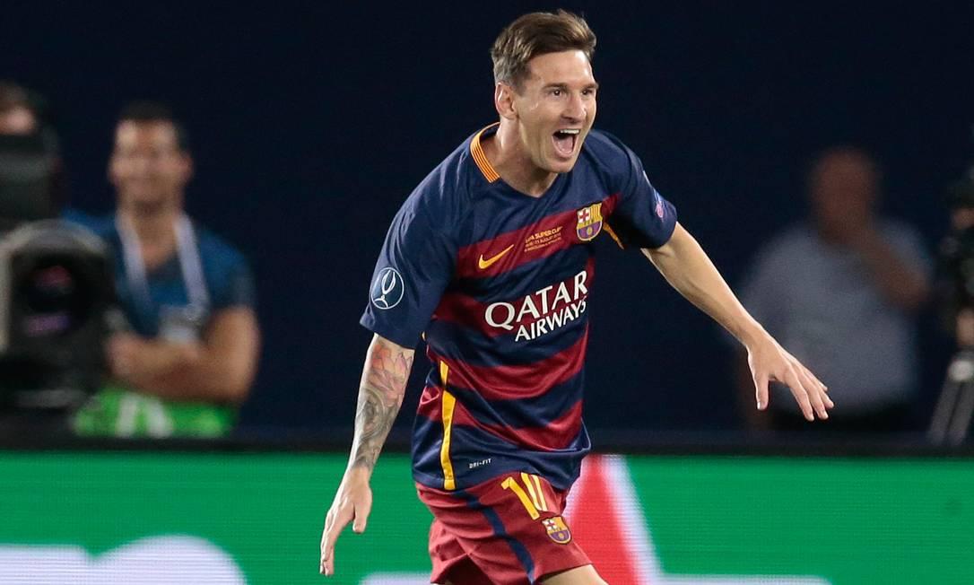 Também de falta e ainda no primeiro tempo, Messi virou o placar para o Barça Ivan Sekretarev / AP
