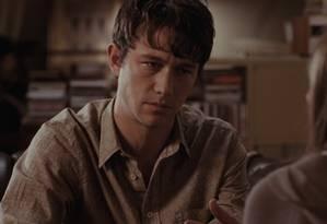 Em '500 dias com ela', o personagem de Joseph Gordon-Levitt sofre por um relacionamento fracassado Foto: Reprodução