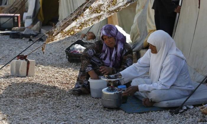 Refugiadas sírias em acampamento no Líbano Foto: Reuters