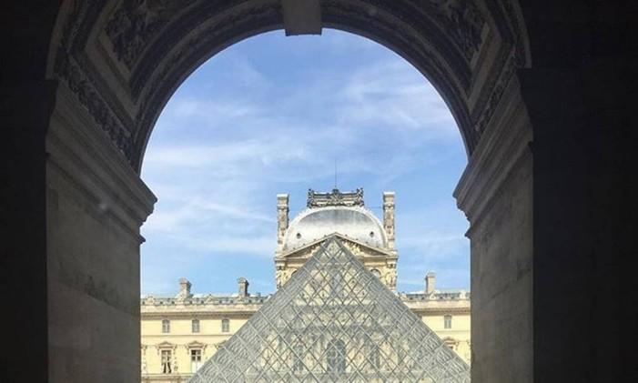 O museu do Louvre, em Paris Foto: @renatacrippa / Instagram