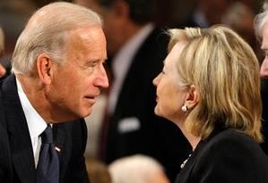 Biden e Hillary: inimigos íntimos? Foto: Reuters