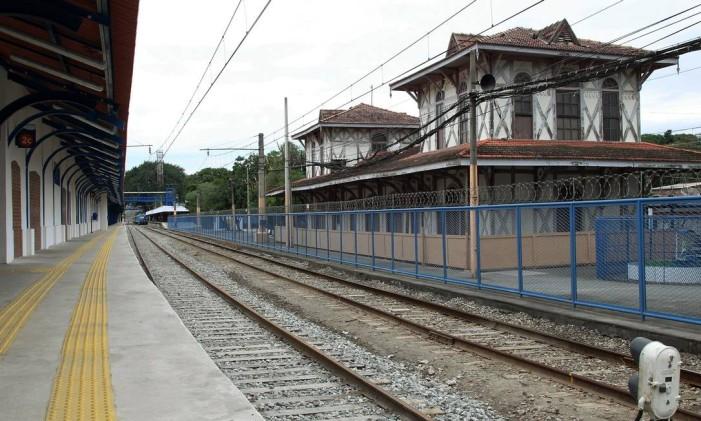 Estação de Japeri está tomada por cupins Foto: Fábio Guimarães / Agência O Globo