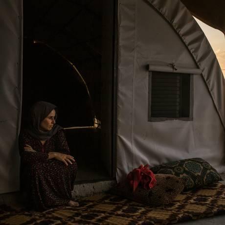Aishan Ali Saleh vive em um campo de Dohuk. Antes, foi vítima de uma emboscada que destruiu as vidas de familia e amigos Foto: MAURICIO LIMA / NYT