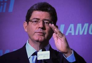 O ministro da Fazenda, Joaquim Levy, durante evento da Câmara Americana de Comércio Foto: O Globo / Marcos Alves