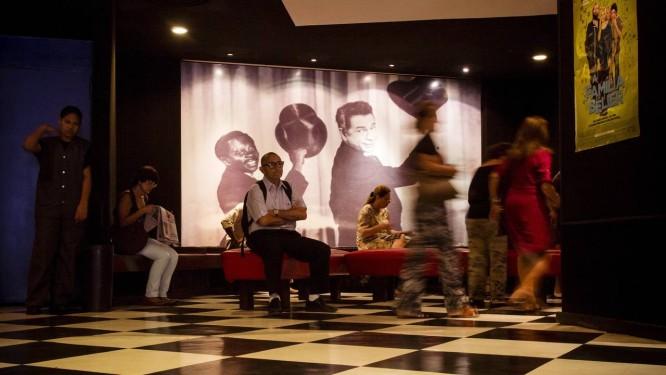 O saguão do Estação Botafogo: desde 1985, um ponto de encontro para os fãs de cinema de arte Foto: Agência Globo / Fernando Lemos