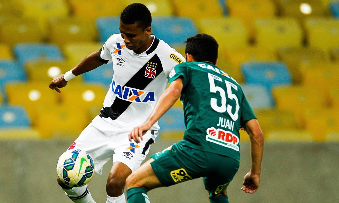 Madson é marcado em cima por Juan Guilherme Leporace / Agência O Globo