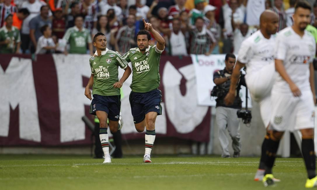 Cícero e Fred comemoram um dos gols do FLu Marco Antonio Rezende