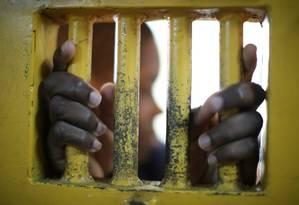 Adolescente cumpre medida restritiva de liberdade em Itanhaém: debate com professores e defensores Foto: Agência O Globo / Marcos Alves