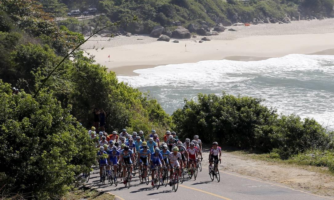A Prainha também fez parte da paisagem do Desafio Internacional de Ciclismo de Estrada. SERGIO MORAES / REUTERS