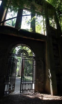 Pórtico da Academia Imperial de Belas Artes, no Jardim Botânico Foto: Custódio Coimbra / O Globo