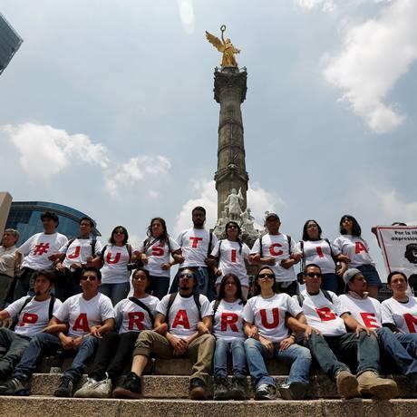 Já são catorze jornalistas mortos no México e vinte continuam desaparecidos. Foto: TOMAS BRAVO / REUTERS