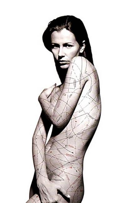 O Rio Sul decidiu-se pelo aprofundamento da sua relação com a moda. E teve esta campanha eleita como o Grande Prêmio de Propaganda O Globo de 1997 Reprodução
