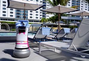 O Botrl, mordomo-robô, que trabalha na rede de hotéis Aloft Foto: Divulgação