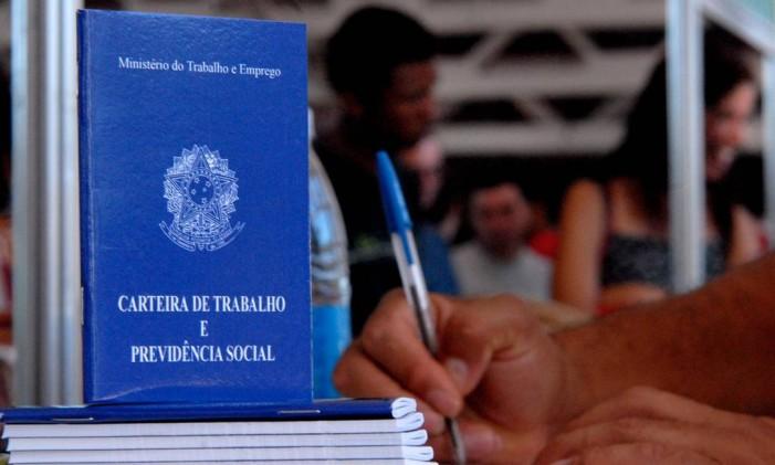 Em julho, 27 acordos de redução de salário foram registrados pelo Ministério do Trabalho e Emprego Foto: Agência O Globo