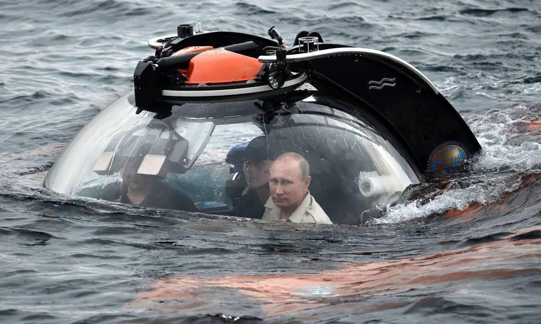 Vladimir Putin, o descobridor dos sete mares Foto: Alexei Nikolsky/RIA-Novosti / AP