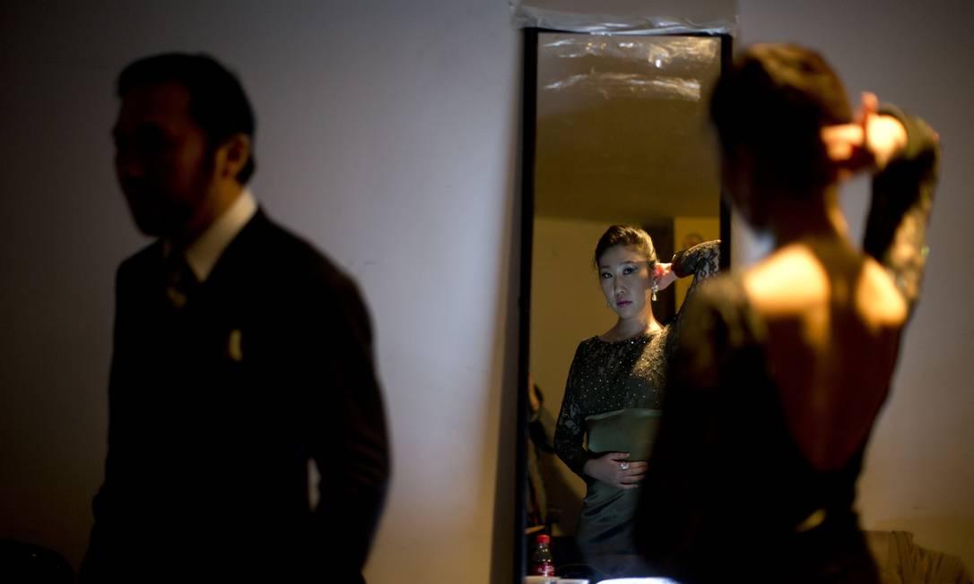 Mais de 700 casais de 48 paises disputam a primeira rodada do Campeonato Mundial de Tango, em Buenos Aires, Argentina. (AP Photo/Natacha Pisarenko) Natacha Pisarenko / AP
