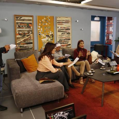 """Resistência: Atores e produção preparam uma das cenas da novela """"Piel Salvaje"""" Foto: Ariana Cubillos / AP/27-5-2015"""