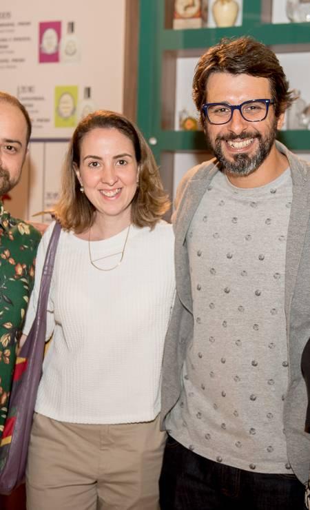 O estilista Rodrigo Capiberibe, da Capi, e a joalheira Livia Canuto Foto: Divulgação
