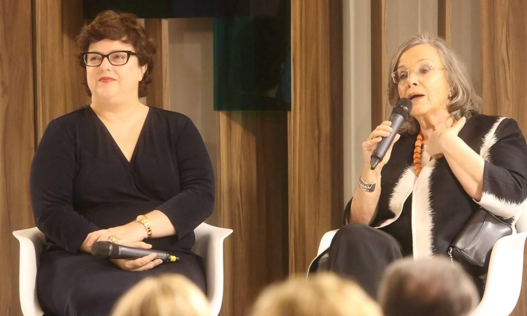 A editora do ELA Ana Cristina Reis e Rosiska Darcy de Oliveira Foto: Marcos Ramos / Agência O Globo