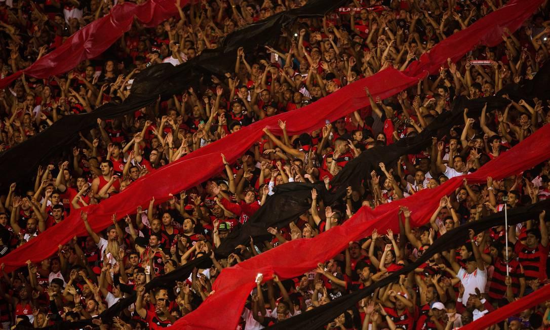 Mais um clássico entre Flamengo e Vasco no Maracanã, torcedores fazem festa na primeira partida das oitavas de final pela Copa do Brasil Daniel Marenco / Agência O Globo