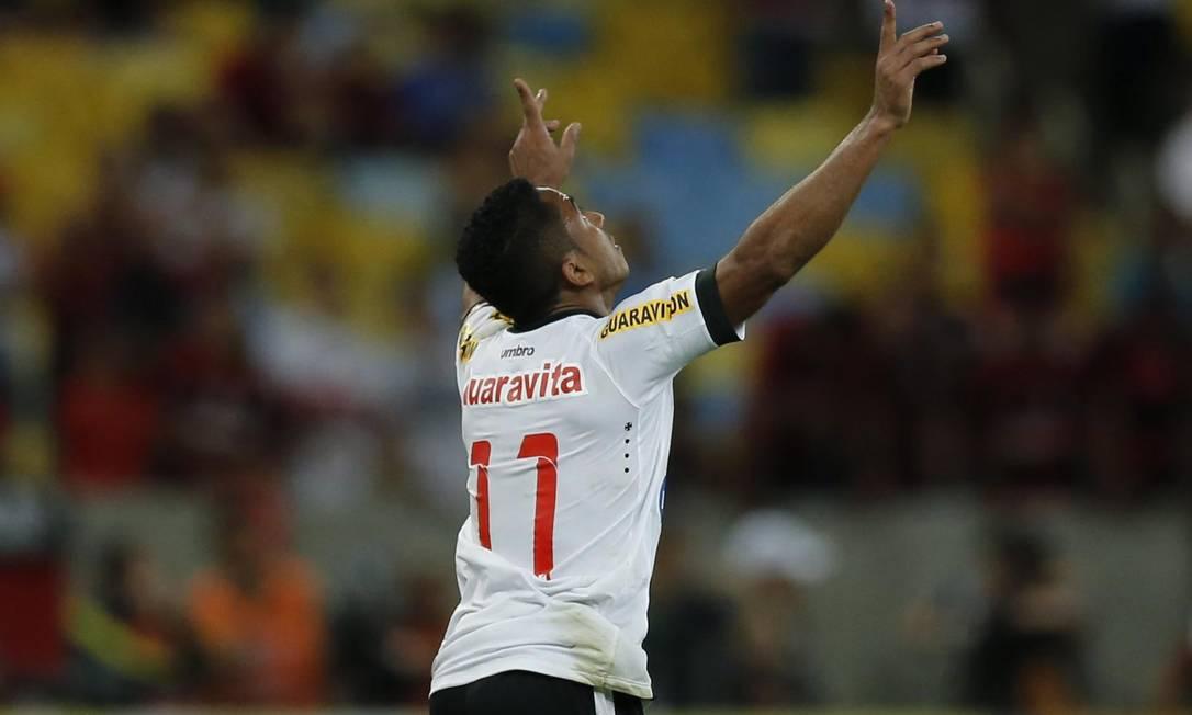 Jorge Henrique comemora seu primeiro gol com a camisa do Vasco Alexandre Cassiano / Agência O Globo