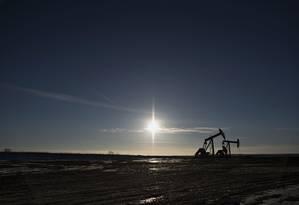 Extração de petróleo em Dakota do Norte, nos EUA Foto: Daniel Acker / Bloomberg News/11-2-2015