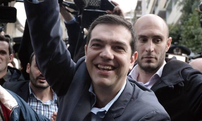 Pelas últimas pesquisas, nenhum outro líder tem condições de competir com Tsipras Foto: LOUISA GOULIAMAKI / AFP