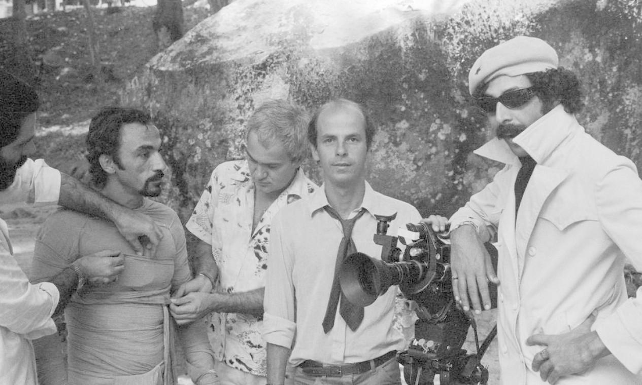Anselmo Vasconcelos, Ivan Cardoso, Oscar Ramos e a múmia, em O Segredo da Múmia, de Ivan Cardoso, 1981. Foto: Divulgação/Eduardo Viveiros de Castro