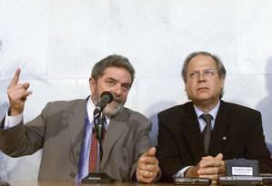 Lula e José Dirceu em 2002, quando eram presidente e ministro, respectivamente Foto: Gustavo Miranda/22-01-2002