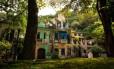 Casario em mau estado no Largo do Boticário, no Cosme Velho: um dos projetos permite que os imóveis, residenciais, sejam usados também para fins comerciais, abrigando negócios como livrarias e bistrôs