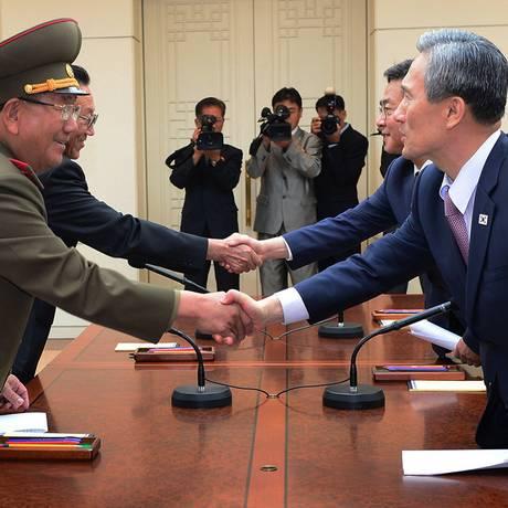 Alto escalão de reunificação e da Defesa chegou a acordo no fim da segunda-feira Foto: AP