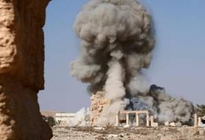 Em imagem do EI, o templo de Baal Shamin é explodido Foto: Reprodução