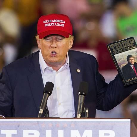Donald Trump discursa no Alabama Foto: MARK WALLHEISER / AFP