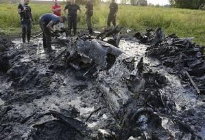 Restos de um bombardeiro soviético encontrados na Polônia Foto: STR / AP