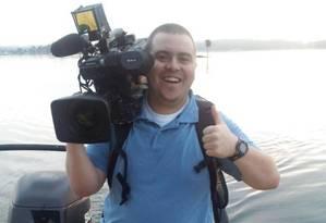 Cinegrafista Adam Ward foi morto enquanto gravava entrevista ao vivo na manhã desta quarta-feira Foto: Reprodução