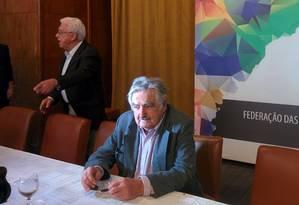 Mujica foi homenageado pela Federação de Câmaras de Comércio e Indústria da América do Sul com o prêmio Personalidade Sur 2015 por sua atuação política e social no Uruguai Foto: Thiago Jansen
