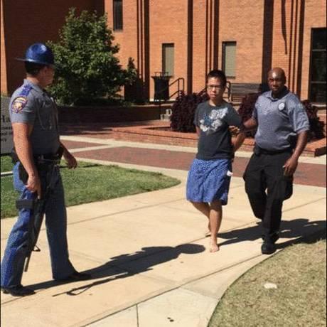 Jovem suspeito foi detido pela manhã Foto: Reprodução