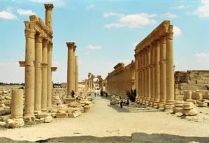 A Grande Colunata é a via principal da cidadela histórica de Palmira Foto: Jerzy Strzelecki / Wikimedia Commons