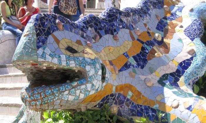 Lagarto do Parque Guell, marca de Gaudí. Foto: Vivian Oswald / Agência O Globo