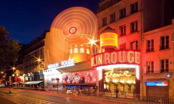 O cabaret Moulin Rouge, em Paris Foto: Aitor Escauriaza / Divulgação / Creative Commons