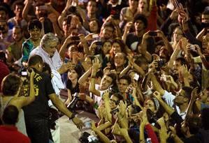 José Mujica é ovacionado pelos milhares de jovens que lotaram a Concha Acústica da Uerj Foto: Daniel Marenco / Agência O Globo