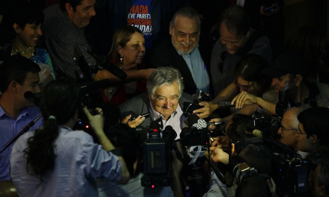 José Mujica, em entrevista coletiva, após receber prêmio Personalidade Sur na ABI Marcelo Carnaval / Agência O Globo