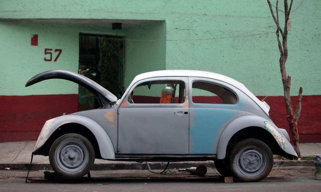 """Fusca, estacionado na rua, será reformado e transformado por um """"vochomaniaco"""" Sofia Jaramillo / AP"""