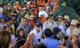 Santos visita um dos albergues em Villa del Rosario, onde estão colombianos deportados
