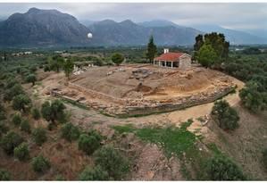 O palácio descoberto tinha dez quartos e foi destruído em um incêndio no século XIV a.C. Foto: Ministério da Cultura da Grécia