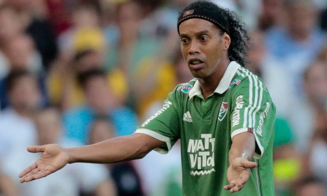 Ronaldinho Gaúcho não teve boa atuação na derrota do Fluminense para o Atlético-MG Pedro Kirilos / Agência O Globo
