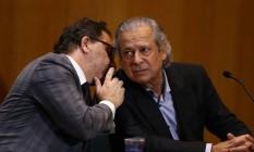 José Dirceu fica em silêncio durante depoimento na CPI da Petrobras Foto: Geraldo Bubniak / Agência O Globo