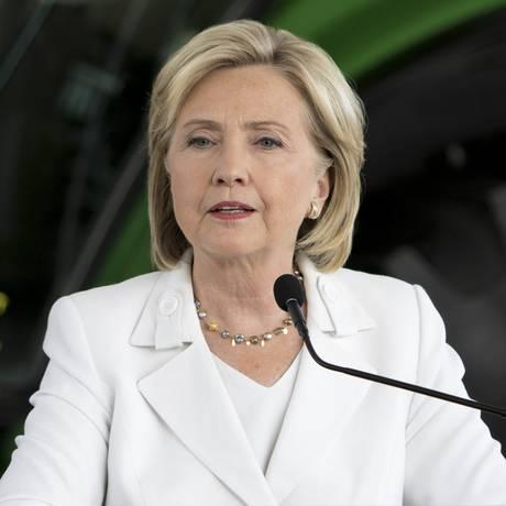 Hillary Clinton continua a ser questionada por uso de e-mails pessoais Foto: Scott Morgan / REUTERS